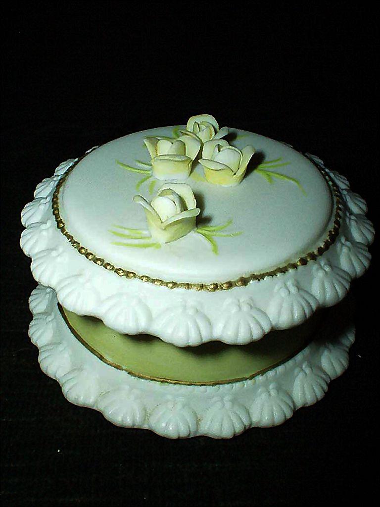 Lefton Yellow Rose Birthday Cake Round Box From