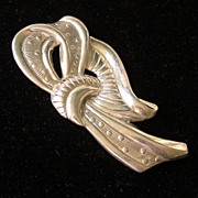 Vintage Danecraft Sterling Silver Textured Ribbon Swirl Pin