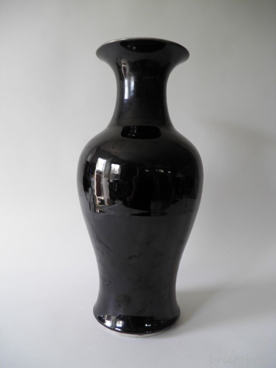 antique th century chinese monochrome mirror black porcelain  - roll over large image to magnify click large image to zoom