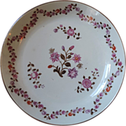 Antique 18th century Chinese Export Porcelain Low Bowl or Cake Plate in Famille Rose Palette