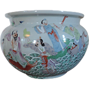Large Antique Chinese Porcelain Fish Bowl or Planter Decorated with Immortals in Famille Rose Palette - Early 20th century