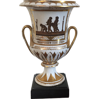 Antique Early 19th century English Georgian Coalport Porcelain Urn Vase in the Neoclassical Taste 1800 - 1805