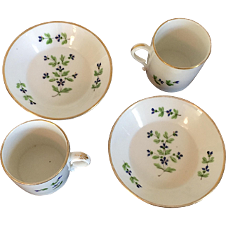 Pair Antique 18th century Old Paris Porcelain Locre Coffee Cans and Saucers in the Sprig or Cornflower Pattern