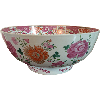 Large Antique 18th century Chinese Export Porcelain Punch Bowl in Famille Rose Palette