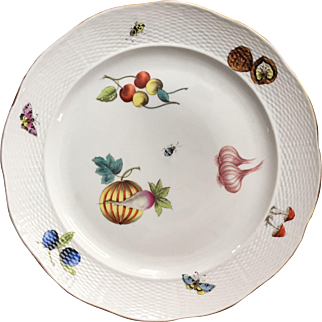 Antique 19th century Continental Porcelain Plate in the Manner of Herend Market Garden Decorated with Fruit, Insects and Nuts