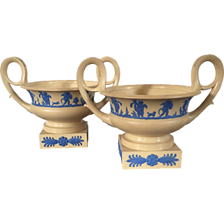 Pair Antique Early 19th century Wedgwood Neoclassical Vase Urns of Greek Kantharos Shape
