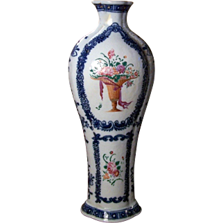 Tall Antique 18th century Chinese Export Porcelain Garniture Vase with Famille Rose Urn Decoration on Blue & White Border for American Federal Market