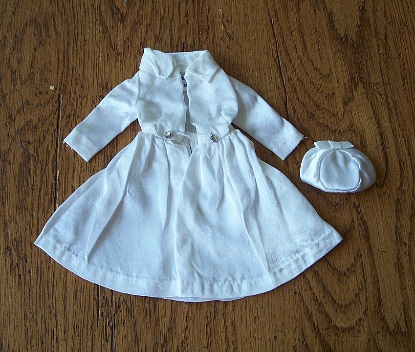 Barbie Fashion White Stain Coat & Hat