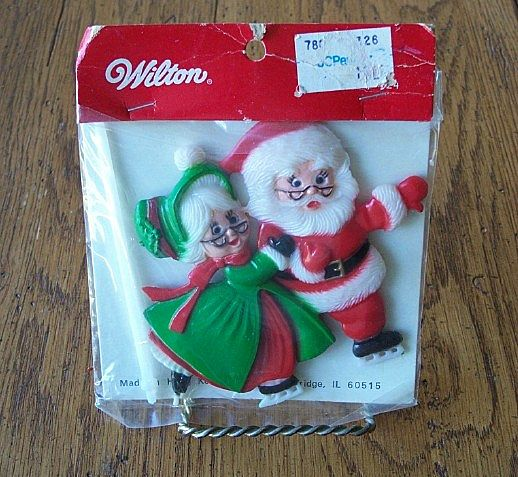 Vintage  Mr. And Mrs. Santa Claus Pick Cake Topper By Wilton