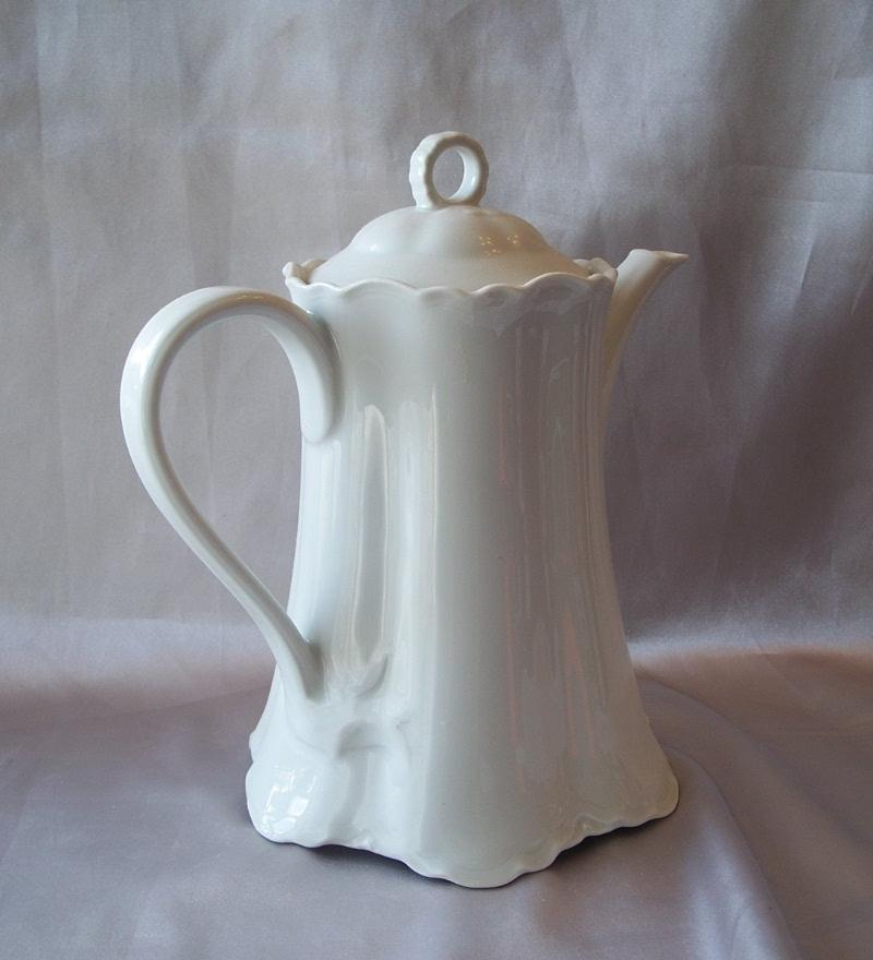 Hutschenreuther  Selb Bavaria Germany Porcelain Coffee Pot