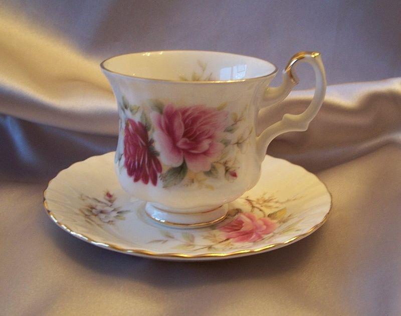 Royal Albert Demitasse Tea Cup And Saucer Danbury Mint