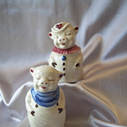 Shawnee Pottery Winnie And Smiley Salt And Pepper Shakers