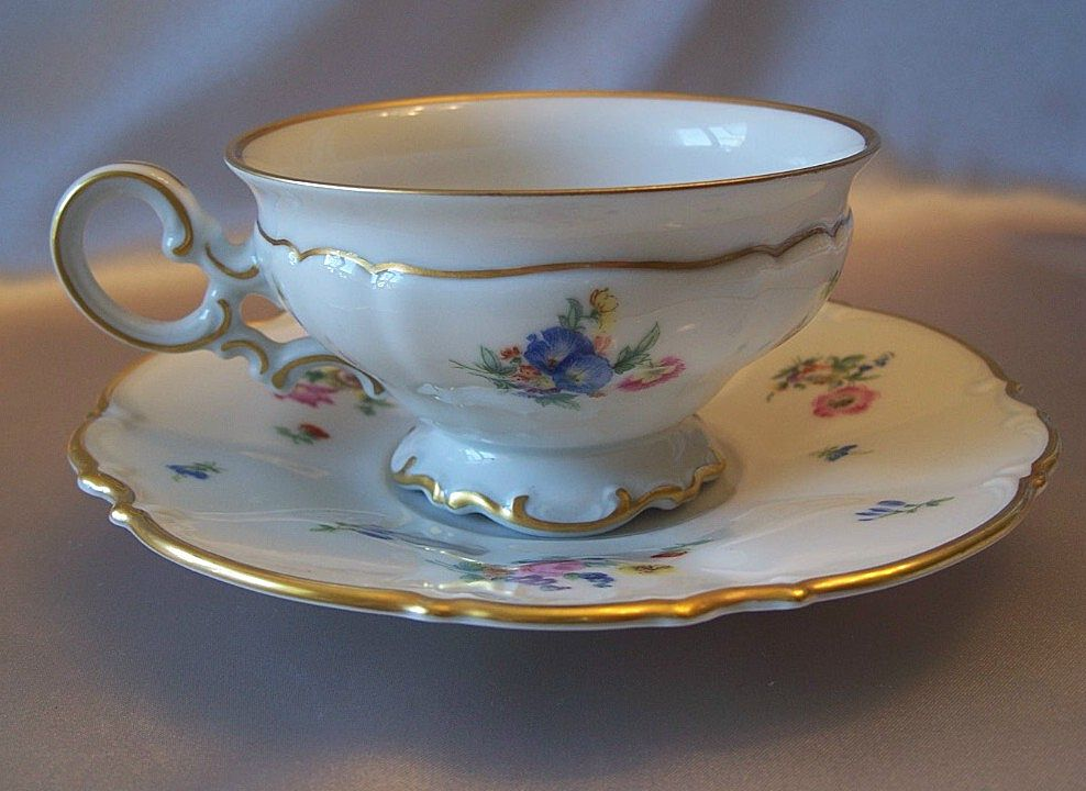 hutschenreuther selb bavarian cup and saucer u s zone from colemanscollectibles on ruby lane. Black Bedroom Furniture Sets. Home Design Ideas