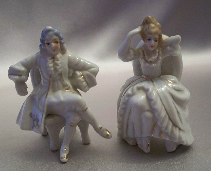 Victorian Style Man And Woman Figurine Japan