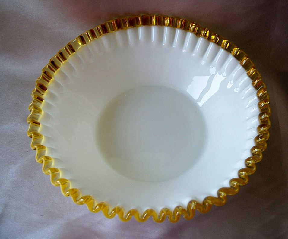 Fenton Art Glass Gold Crest Bowl