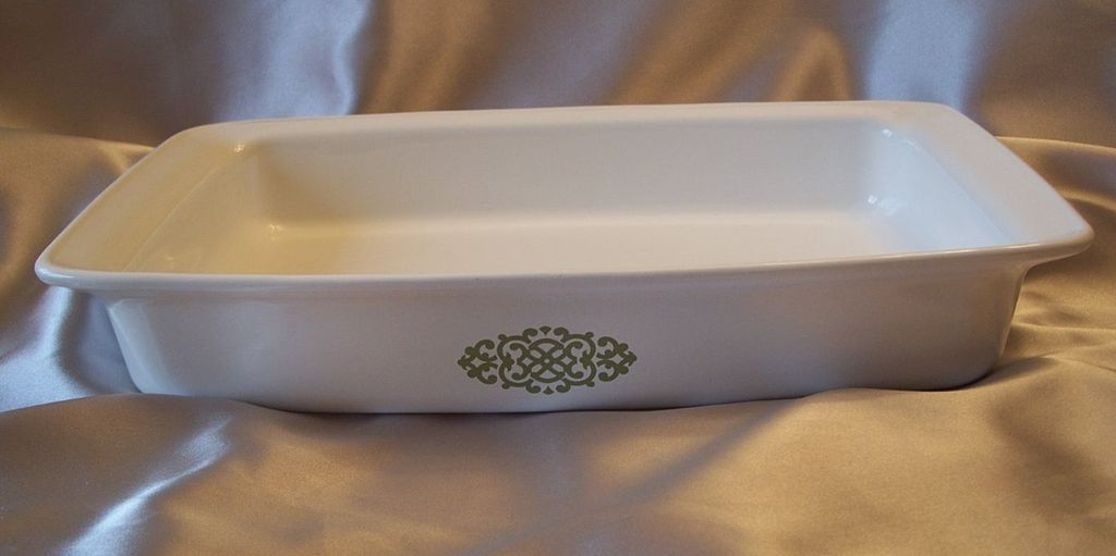 Corning Ware Green Medallion Open Roaster Shell Oil