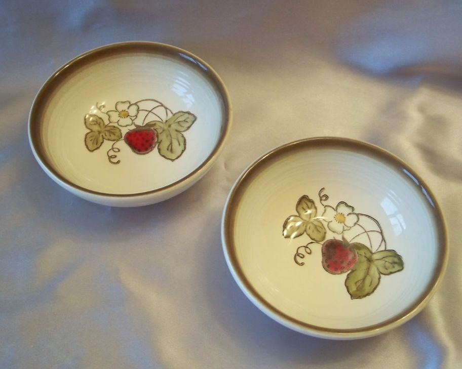 Metlox Poppy Trail Strawberry  Cereal Bowls