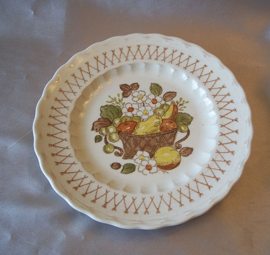 Vernon Ware Metlox  Fruit Basket Salad Plate