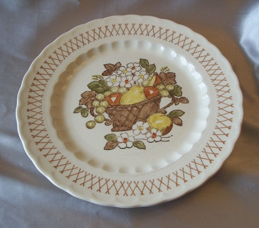 Vernon Ware Metlox Fruit Basket Dinner Plate