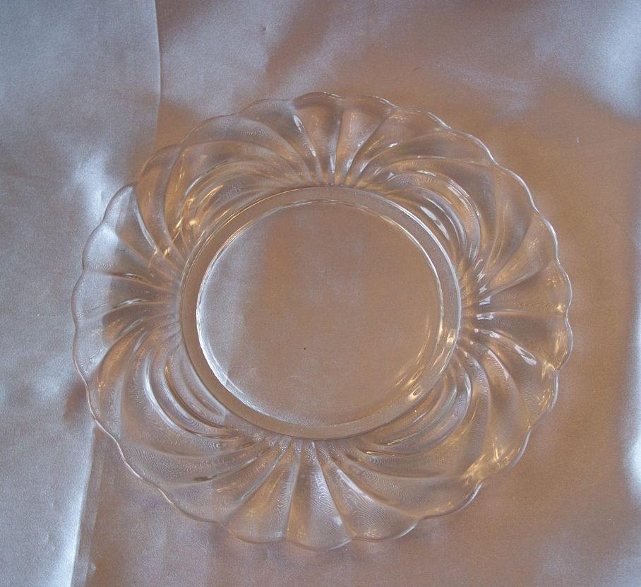Cambrige Crystal Caprice 8-1/2 Plate