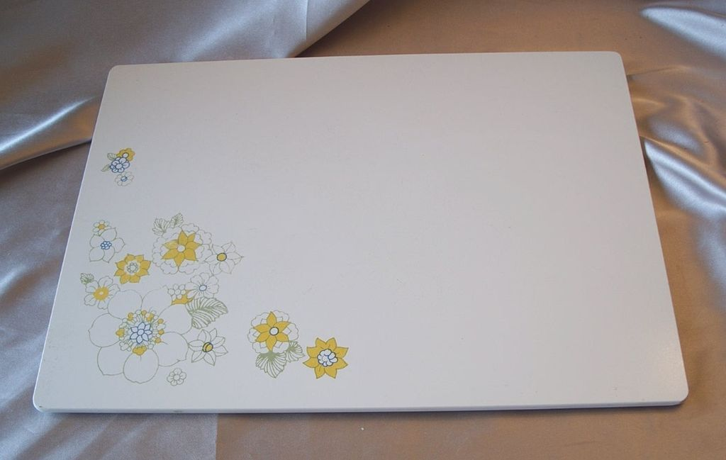 Corning Ware Floral Bouquet Cutting Board