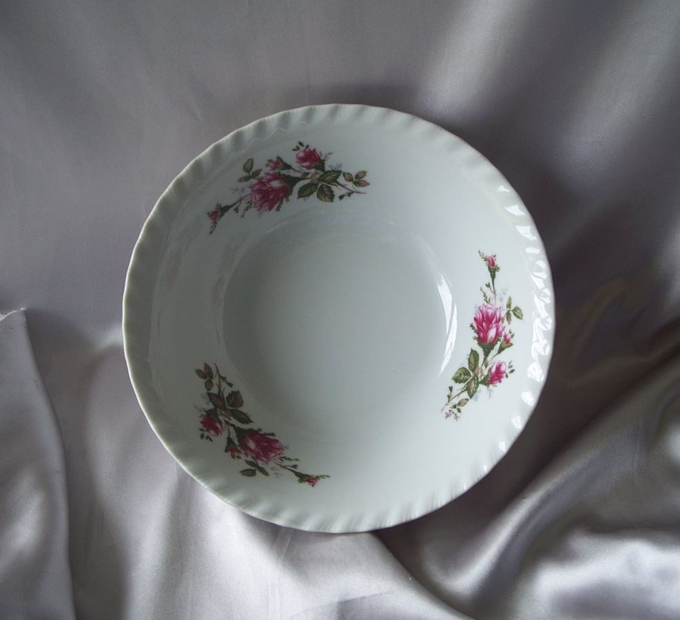Made In Japan Moss Rose Serving Bowl