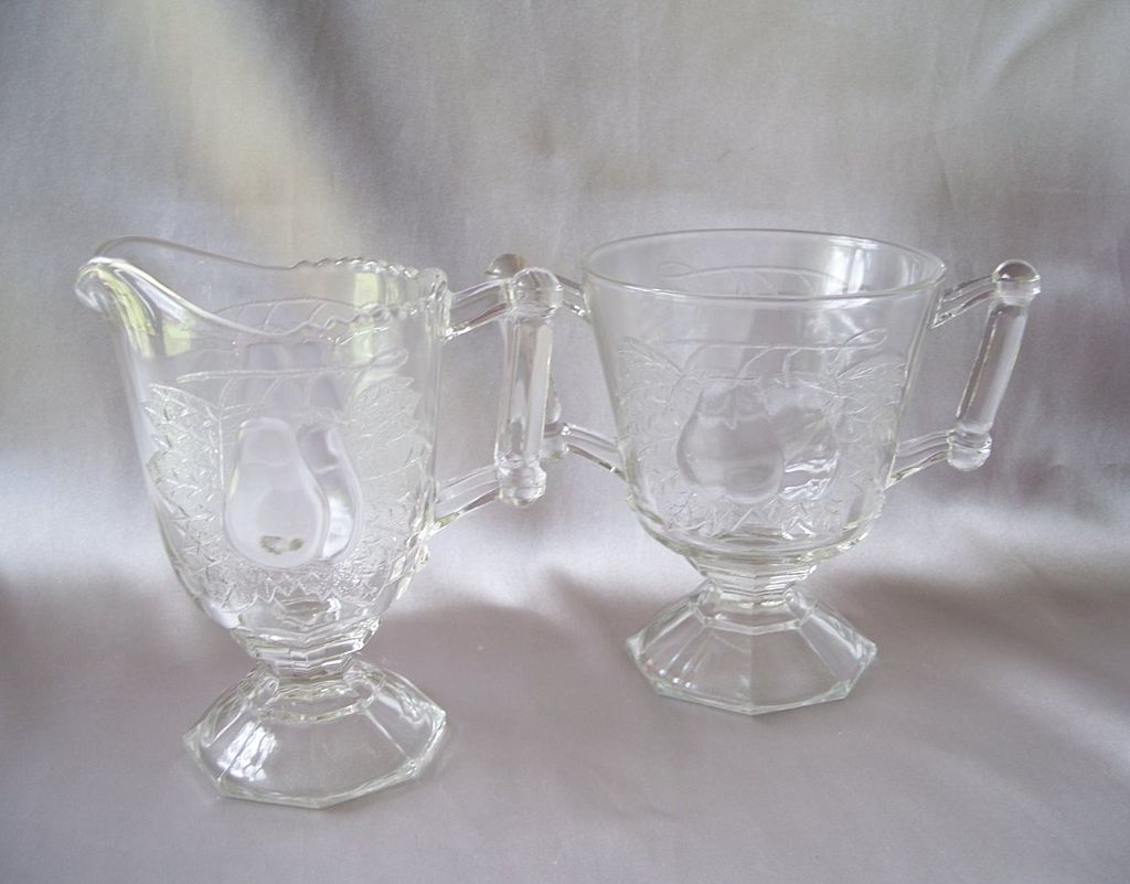 Jeannette Glass Crystal Baltimore Pear Creamer and Sugar