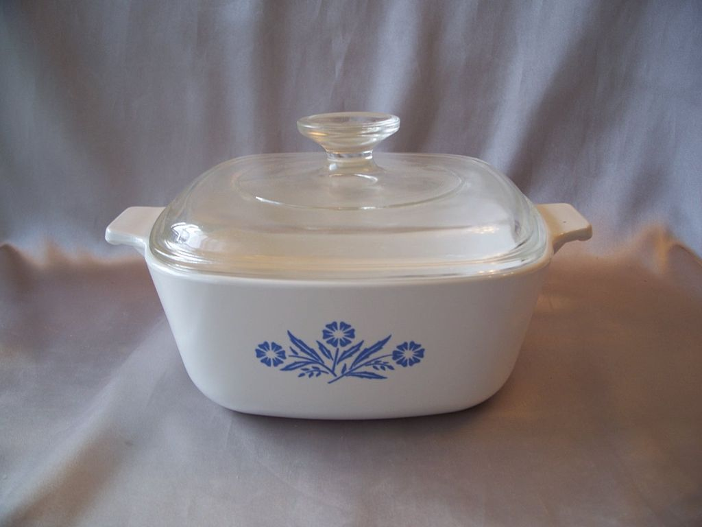Corning Ware 1-1/2 Qt  Blue Cornflower  Casserole Dish With Lid