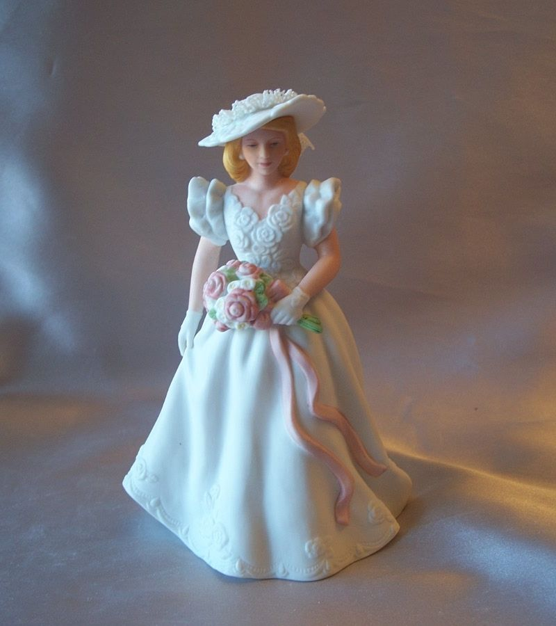 Avon Summer Bride Figurine  1986