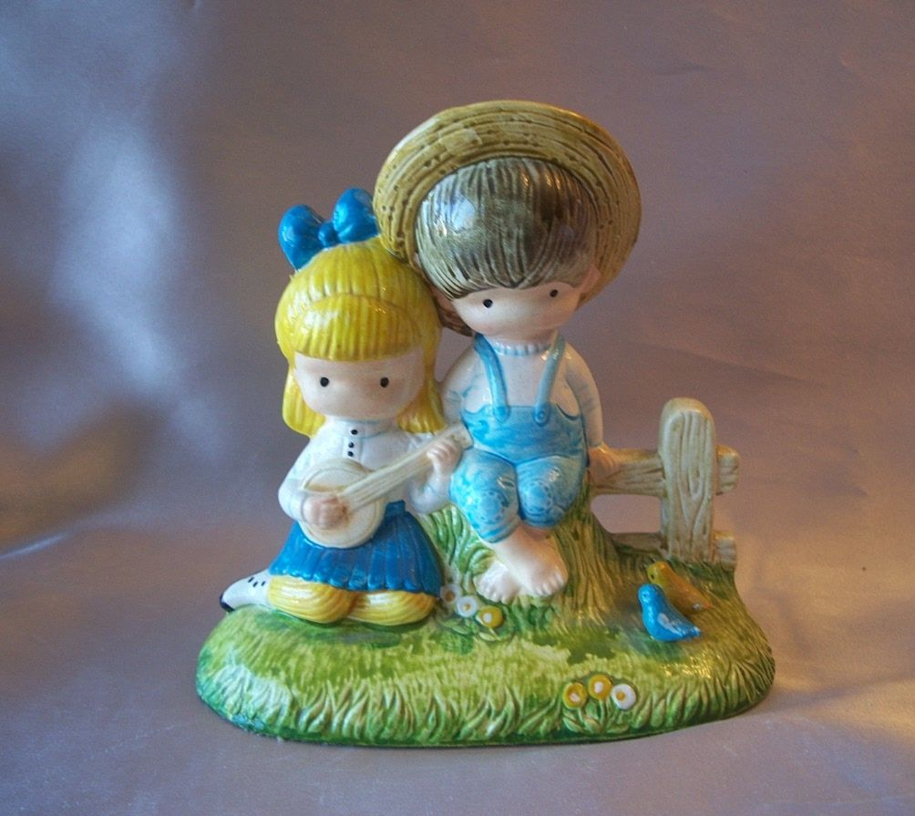 1972 Joan Walsh Anglund Gather Songs The Robins Bring Figurine