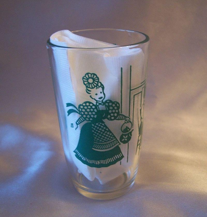 Swanky Swig Bustling Betsy Glass