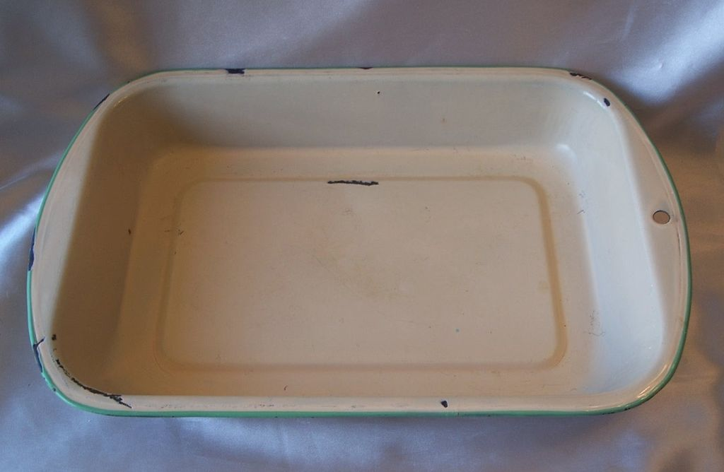 Old Enamel Ware Baking Pan