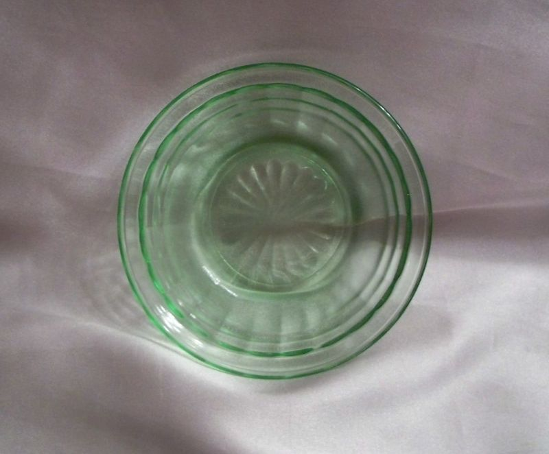 Green Hocking  Glass Circle Berry Bowl