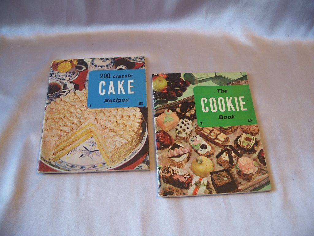 Two  Cookbook  Booklets The Cookie Book and 200 Classic Cake Recipe