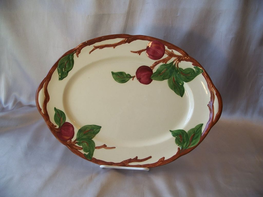 Franciscan Apple Earthware Platter