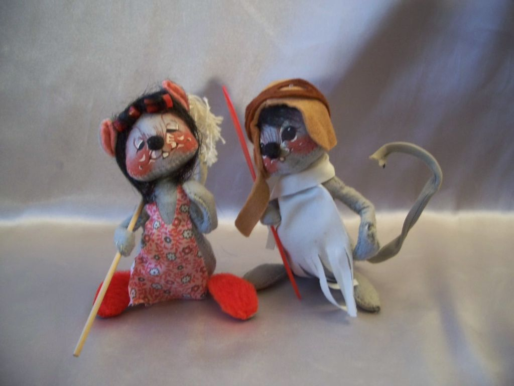 Two Vintage Annalee Dolls Pilot and Housewife  Mouse