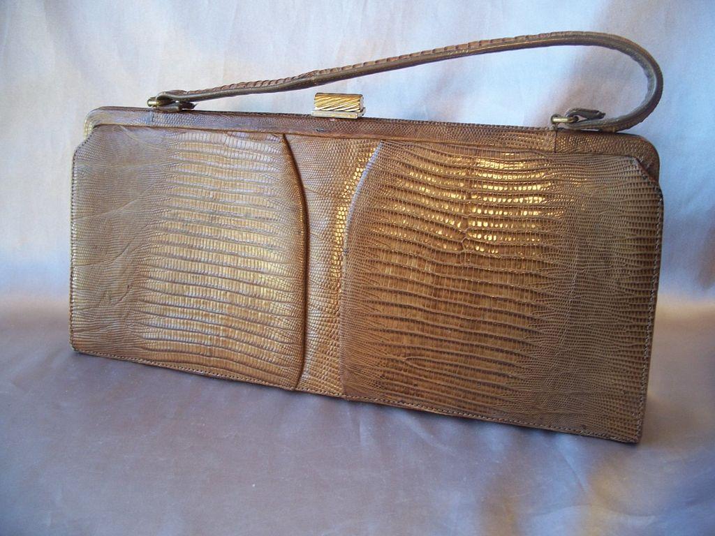 Palizzio Very New York  Lady  Alligator Hand Bag