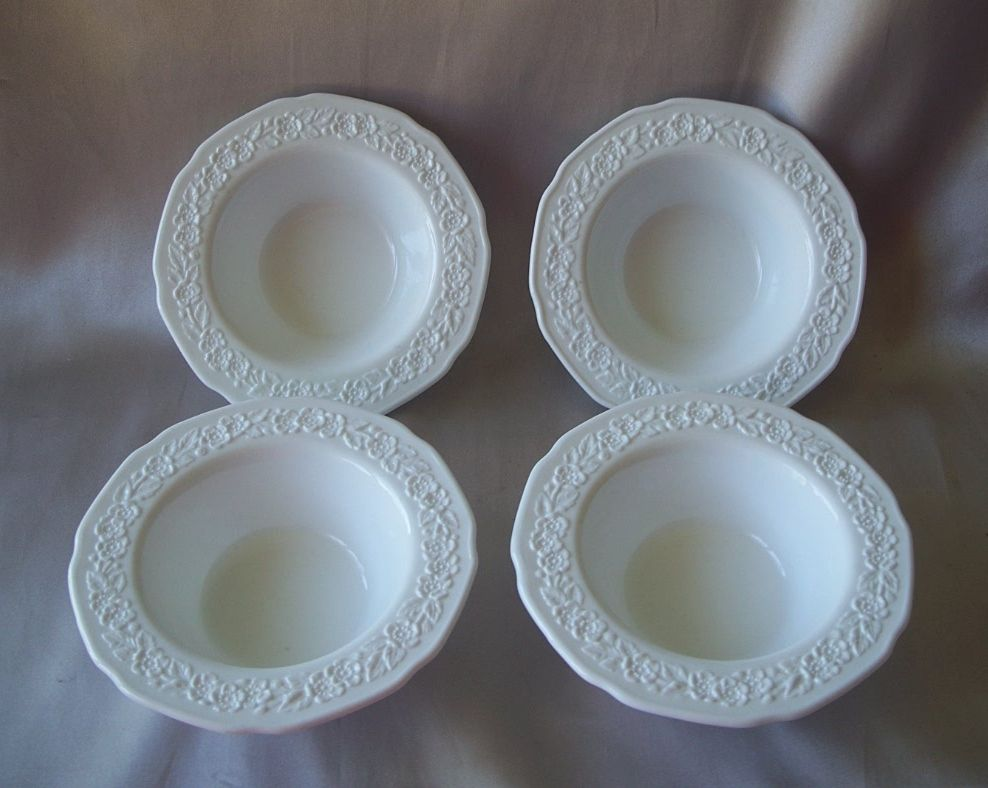 Four Indiana Custard White Milk Glass Berry Bowls
