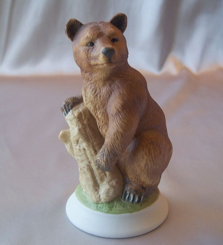 Andrea by Sadek Grizzly Bear Figurine