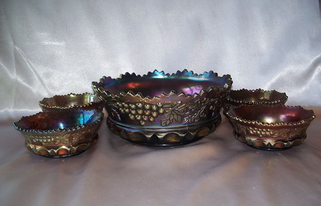 Northwood Glass Amethyst Grape and Cable Berry Bowl Set