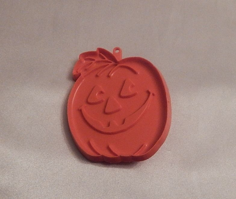 Hallmark Cards Halloween Pumpkin Cookie Cutter 1980