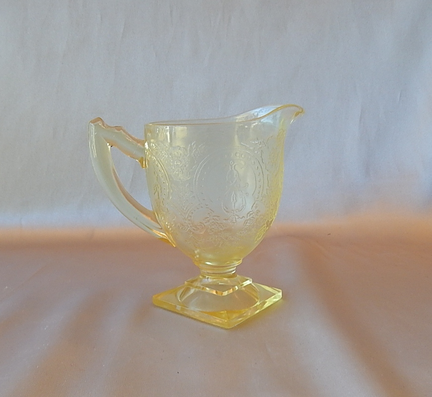 Indiana Glass Yellow Horseshoe Creamer