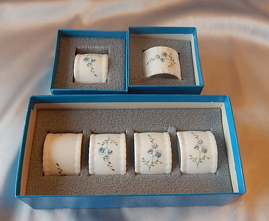 Six Coalport Porcelain Tintern Napkin Rings