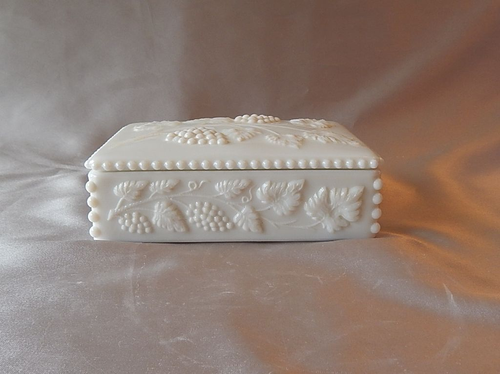 Westmoreland Paneled Grape Cigarette Or Trinket Box