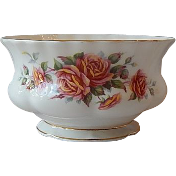 Royal Albert Centennial Rose Open Sugar Bowl