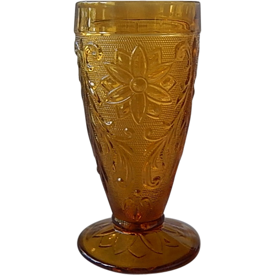 Indiana Tiara Exclusives Amber Tumbler
