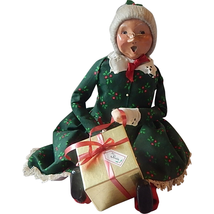 Byers Choice Sitting Mrs. Santa Claus Caroler