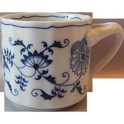 Blue Danube Porcelain Tripod Handle Mug
