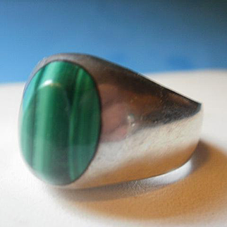 Sterling Mexico Malachite  Ring Size 8 1/2