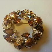 Stunning D&E Wreath Brooch